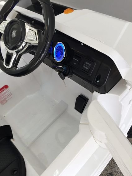 Электромобиль Мини гелик М001МР красный (резиновые колеса, кожа, пульт, музыка)